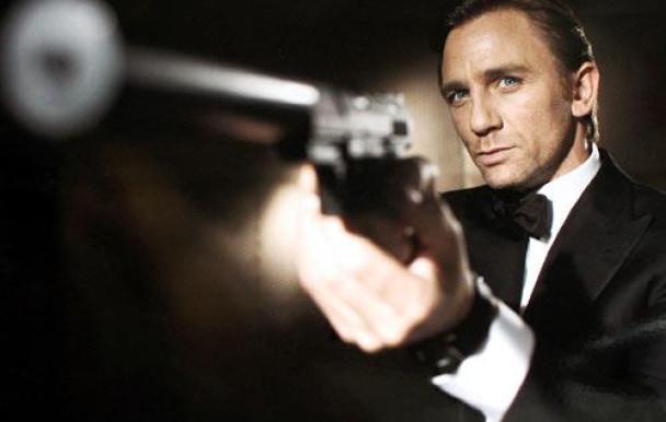 Pauvre James Bond