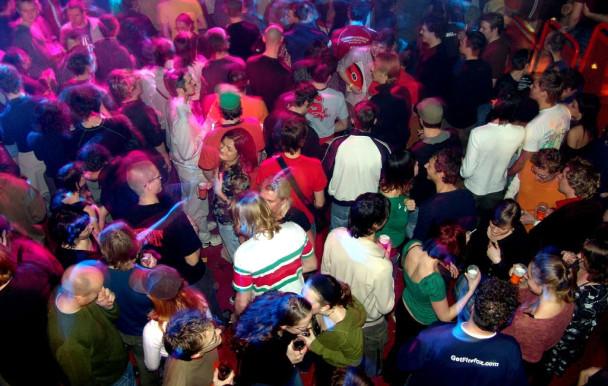 Plus de partys pour les étudiants étrangers