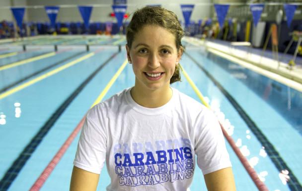 L'équipe de natation des Carabins : championne provinciale !