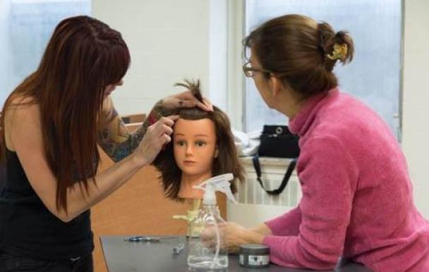 Apprendre à se couper les cheveux à l'UdeM
