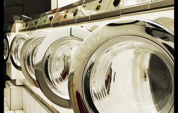 Espagne : une laverie interdite aux hommes