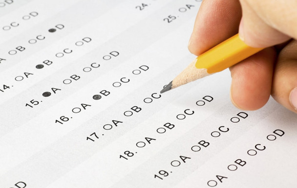Peut-on être emprisonné pour avoir triché aux examens?