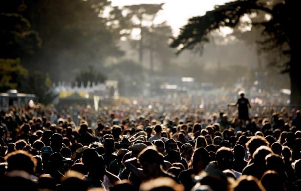 Emportés par la foule