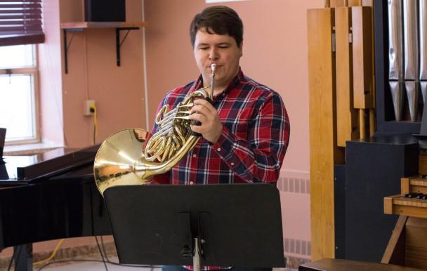 Le cor à l'avant-scène