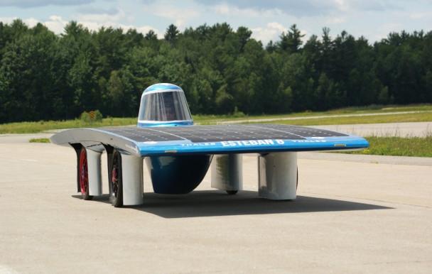 Un rallye en voiture solaire