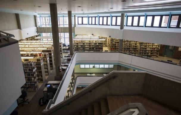 Emprunt gratuit dans les bibliothèques de l'UdeM pour les diplômés