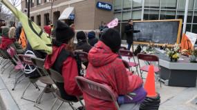 Une classe de rue improvisée sur l'urgence climatique