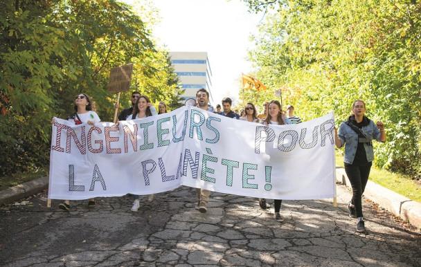Les polytechniciens marchent (quand même) pour le climat