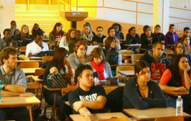 Les étudiants préparent leur manisfestation
