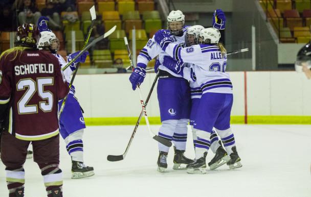 Victoire écrasante pour une nouvelle saison de hockey féminin