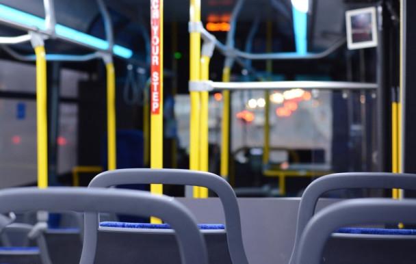 Référendums pour un laissez-passer d'autobus à rabais à l'UL