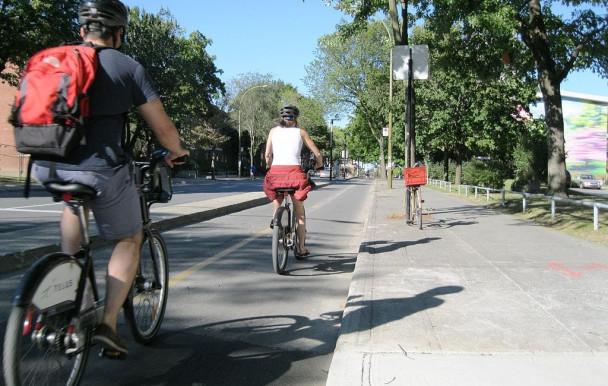Montréal inaugure les 184 km de piste cyclable du nouveau Réseau Express Vélo