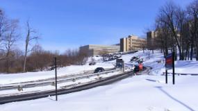 Une semaine de vacances supplémentaire en hiver ? L'UdeM consulte ses doyens.