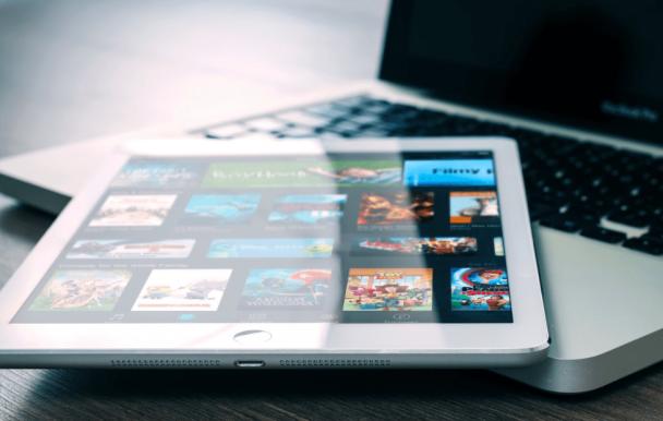 Netflix, Spotify et autres webdiffuseurs devraient bientôt financer les productions canadiennes