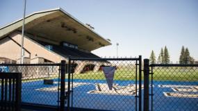La piscine et la patinoire du CEPSUM sont ouvertes