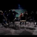 Le réalisateur Claude Jutra incarne un professeur devant une classe. Photo: « Wow » / Claude Jutra / 1969 / ONF