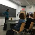 La professeure Isabelle Duplessis donnait une conférence organisée par le comité Femme et droit le 15 septembre dernier. Crédit photo : Lisa Lasselin