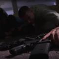 Capture d'écran de la vidéo « Shooter on Campus  : Know You Can Survive » ,  une simulation de fusillade sur le campus invitant les étudiants à « observer leur environnement » et se préparer au « combat pour leur survie ».