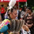 Le CEQA est organisé en partenariat avec le Cercle Ok8abi et le Salon Uatik, qui présentait des activités de visibilité pour la culture autochtone dans le cadre de la rentrée. Photo: Mathieu Gauvin.