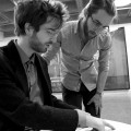 Le compositeur roumain Sebastian Dumitrescu et l'étudiant à la maîtrise en musicologie Damián Birbrier.  Crédit photo : Rose Carine Henriquez.