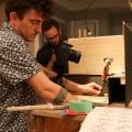 L'étudiant au baccalauréat en études cinématographiques Christopher Carletti lors du tournage du court-métrage en stop-motion, L'Appat. Crédit photo : Mathieu Gauvin
