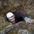 Dans certaines grottes, les chercheurs ont dû descendre en rappel. Crédit photo : Courtoisie Jenny Ni