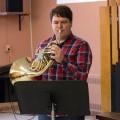 L'étudiant au baccalauréat en musique - interprétation et corniste Félix Foster. Crédit photo : Mathieu Gauvin.