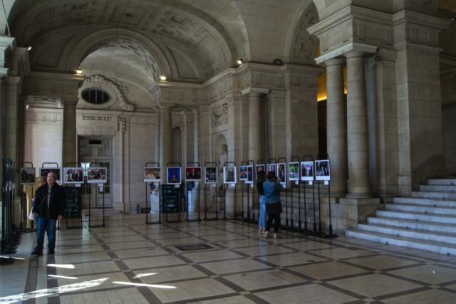 L'exposition propose une rétrospective des campagnes présidentielles de la 5e République à travers les clichés des photojournalistes de l'AFP.