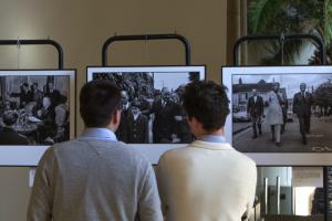 Les étudiants en droit à l'Université François Rabelais, Maxime Heulin et Simon Houdebert, ont eu vent de l'exposition via Twitter.