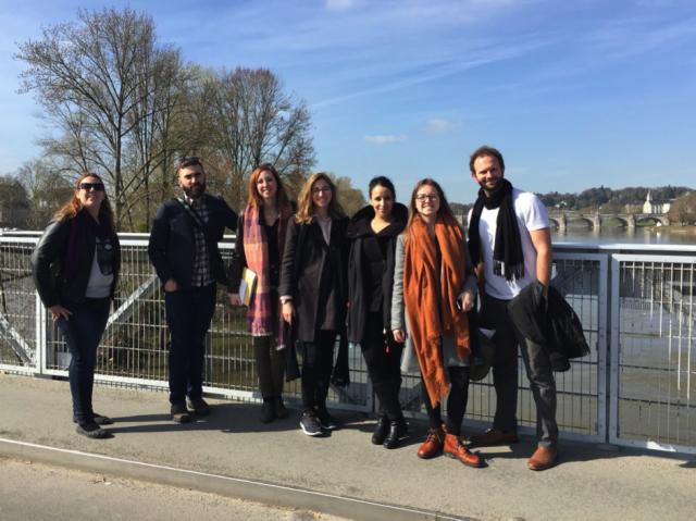 Sept journalistes et étudiants en journalisme québécois ont pu participer au congrès grâce à une aide financière de Les Offices jeunesse internationaux du Québec (LOJIQ).