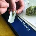 Vivre une expérience, stimuler sa créativité ou se changer les idées, les raisons de consommer du cannabis sont propres à chaque étudiant. Crédit photo : Perrine Larsimont.