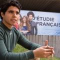 Après avoir complété son cégep en anglais, l'étudiant en traduction Carlos A. Pérez Santes  a décidé de poursuivre ses études universitaires en français. Photo : Laura-Maria Martinez