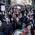 Des manifestants présents pour la marche du 2 avril 2015, organisée par l'ASSÉ, dans le cadre du mouvement contre les mesures d'austérité du gouvernement de Philippe Couillard. (Photo: Vimeo.com | Mario Jean)