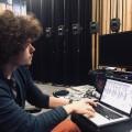 Kevin Gironnay travaille sur le projet Dans l'air, constitué d'une série d'haut-parleurs qui émettent de la musique variant en fonction des conditions météorologiques. (Photo : Courtoise Kevin Gironnay)