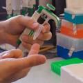 La biochimie est une des composantes de la science forensique, utilisée dans le cadre d'enquêtes judiciaires. (Crédit photo : Louis Cyr)