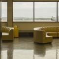 L'exposition Gander Island de Myriam Yates permet de découvrir le design de l'aéroport de Gander, à Terre-Neuve. (Photo : Myriam Yates | Facebook Dazibao, images, expositions, éditions)