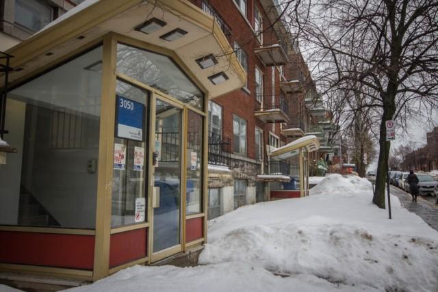 En 2023, l'UdeM devrait mettre en vente ses deux conciergeries situées aux 3050 et 3060, boulevard Édouard-Montpetit. (Photo : Benjamin Parinaud)