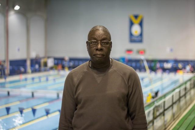 Le responsable du service de sauvetage du CEPSUM, Abdoulaye Mané. Il est également assistant-entraîneur auprès de l'équipe de soccer masculin des Carabins depuis 2001. (Photos : Benjamin Parinaud)