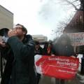 Un contingent de manifestants de l'AESSUM a déambulé dans les quartiers Côte-des-Neiges et Outremont. (Photo: Mylène Gagnon)