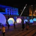 Le professeur prend le Quartier des spectacles et ses différentes transformations comme un bon exemple de ce que le design urbain peut apporter à une ville. (Photo : flickr.com I Caribb)