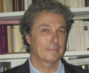 Le professeur à la Faculté de l'aménagement Michel Max Raynaud propose un livre de 64 pages sur le sujet. (Photo : Courtoisie Michel Max Raynaud)