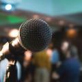 Six finalistes se sont retrouvés pour la finale du concours d'éloquence de HEC Montréal (Crédit : Unsplash)