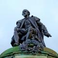 Statue de Shakespeare, dans sa ville natale de Stratford-upon-Avon (crédits Pxhere).
