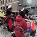 La classe s'est tenue sur le trottoir, sans bloquer la rue. Crédit photos : Zacharie Routhier.