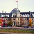 L'Université du Nouveau-Brunswick est la première université publique anglaise fondée en Amérique du Nord en 1785. (Crédit photo : Wikimedia Commons I Blazingluke)