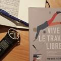 """Pierre Sormany a aussi écrit le livre """"Le métier de journaliste"""", qui sert de livre-référence à certains cours du certificat en journalisme à l'UdeM. Photos : Louis-Philip Pontbriand"""