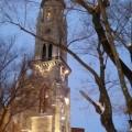 La structure du clocher de l'ancienne église Saint-Jacques est maintenant illuminée. Crédit Photo: Marc Boulanger