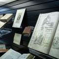 Les ouvrages et les objets de la science médicale collectionnés par Léo Pariseau servaient de matériel pédagogique pour ses pairs.